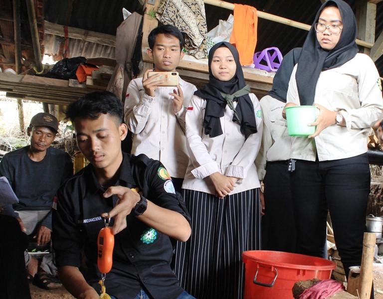 Mahasiswa dan Petani