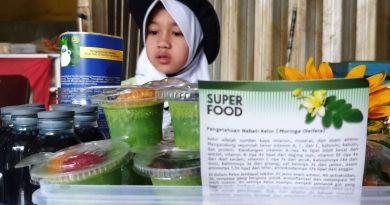 Kelor dan Blue Tea: Dua Sumber Makanan Sehat untuk Anak dan Remaja