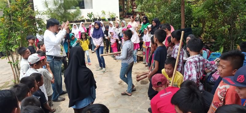 Sekolah Samin: Menyebarkan Empati untuk Anak Petani