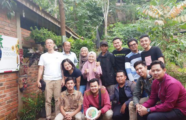 tan shot yen relawan odesa indonesia bandung gizi sanitasi literasi e1580100856782
